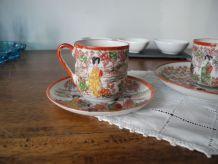 Tasses à café anciennes et Soucoupes Porcelaine fine du Japon