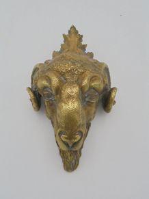 Tête de bélier en bronze