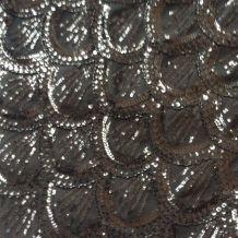Jupe entièrement brodée de perles
