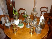 LAMPES A PETROLE