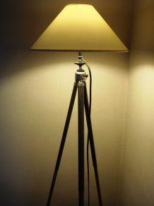 lampadaire créé s/ancien trépied photo métal