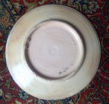 Plat rond en terre cuite émaillée