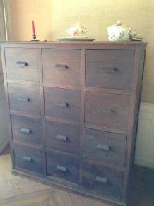 Grand meuble à 12 tiroirs