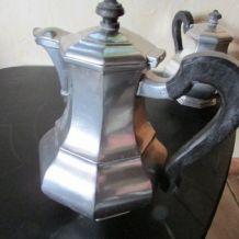 Superbe service à café , à thé en étain, estampillé