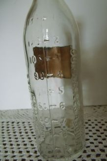 Ancienne bouteille/ flacon  de pharmacie graduée
