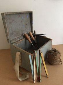Coffre en bois, boîte à outils