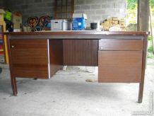 Bureau en bois brun (pro)