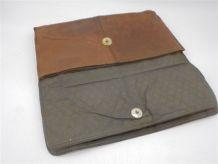 Étui vintage en cuir, idéal pour tablette