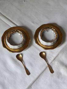 Ensemble salière et poivrière en porcelaine