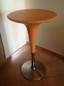 Table Bombo orange design Stefano Giovannoni pour Magis