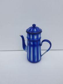 Cafetière émaillée rayée bleue