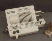 Calculatrice mécanique Original ODHNER