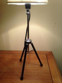 très originale lampe créée s/ancien trépied photo