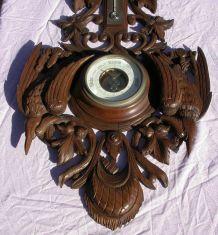 Baromètre en bois sculpté (thème chasse)