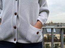 Nicole - Gilet blanc coton col V à poches et boutons marins