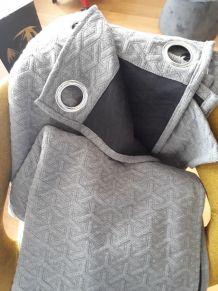 Rideau gris épais