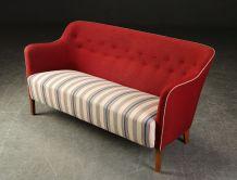 Canapé deux places en laine rouge