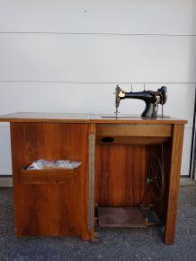 machine à coudre Manufrance Omnia
