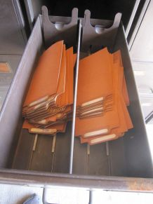Casier métallique à tiroirs
