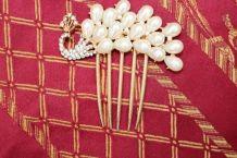 Peigne à cheveux paon diamant perle effet dore mariage