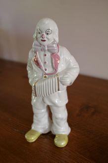 Statuette clown blanc accordéoniste en faïence