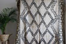 Grand tapis Beni ouarain vintage tissé main au Maroc