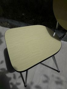Chaise Formica jaune