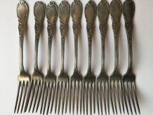 9 fourchettes anciennes en étain