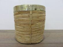 Cache pot en rotin et laiton années 60 70