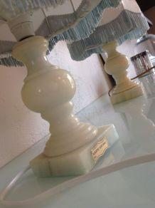 Paire de lampes de chevet vintage Chabby Chic en albatre et