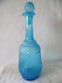 bouteille ancienne en verre bleu