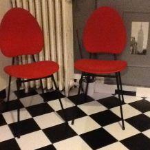 Chaises rétro vintage rouge