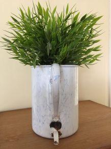 Fontaine à eau en tôle émaillée marbrée