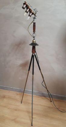 LAMPE tripode collector numerote