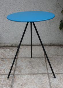 Guéridon tripode design minimaliste 70's