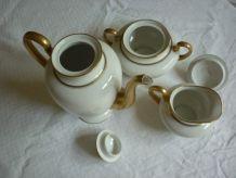Cafetiere,sucrier,pot a lait Limoges avec dorures