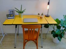 TABLE FORMICA JAUNE VINTAGE