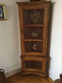 meuble d'angle très ancien (provenance Amérique Latine)