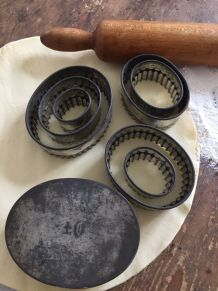 Set ancien d'emporte-pièces