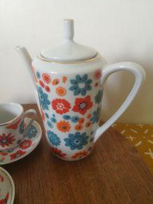 dinette vintage en céramique fleurs naïves