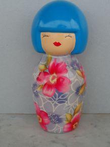 Grande Tirelire poupée KOKESHI en céramique