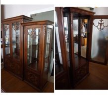 Lot de 2 vitrines en bois noyer