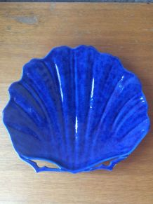 Plat en céramique bleu en forme coquillage Molin Charolles