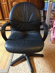 3 fauteuils en cuir bleu