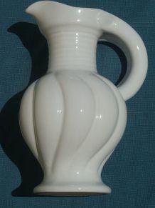cruche  en céramique  Lallier Moustier