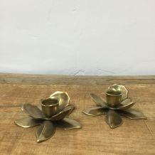 Bougeoirs fleurs en laiton
