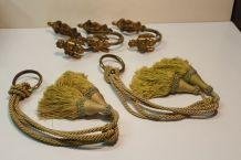 3  embrases de rideaux en bronze avec crochets  et anneaux