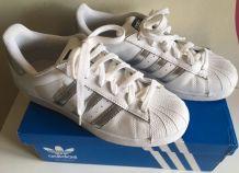 Baskets Adidas Superstar 37 1/3 blanc/argent