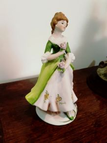 3 Figurines en biscuit porcelaine