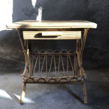 Table de chevet en rotin - vintage